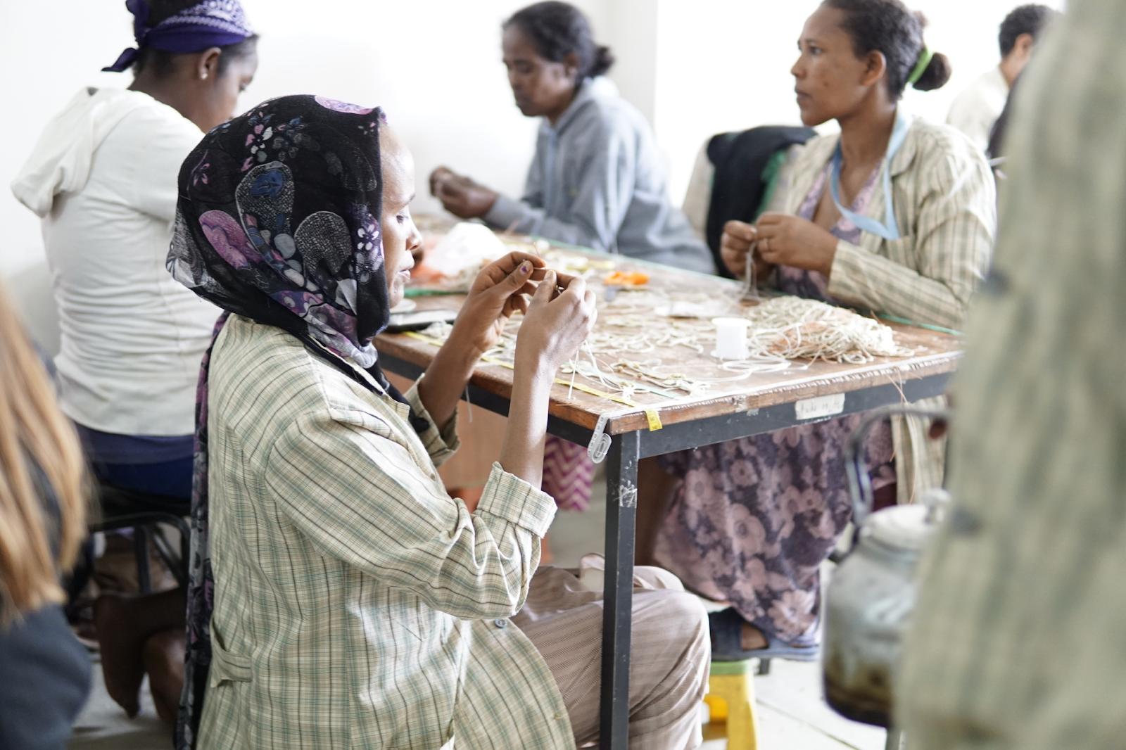 Fair Trade Artisans in Ethiopia making jewelry   Fair Anita