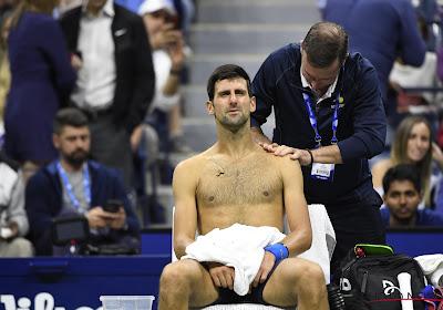 Djokovic verliest eerste twee sets en moet dan opgeven tegen Wawrinka