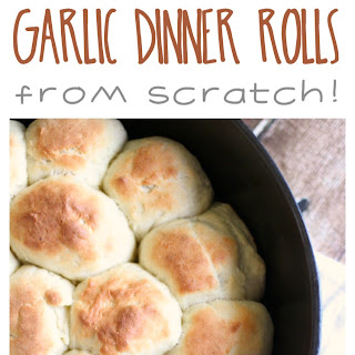 30 Minute Garlic Dinner Rolls