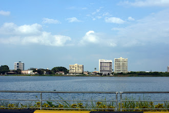 Photo: The newer ritzier part of Guayaquil.