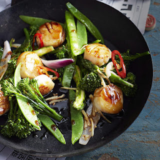 Stir-fried Scallops with Green Vegetables.