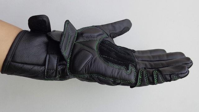 Găng tay moto giúp biker làm chủ hành trình của mình