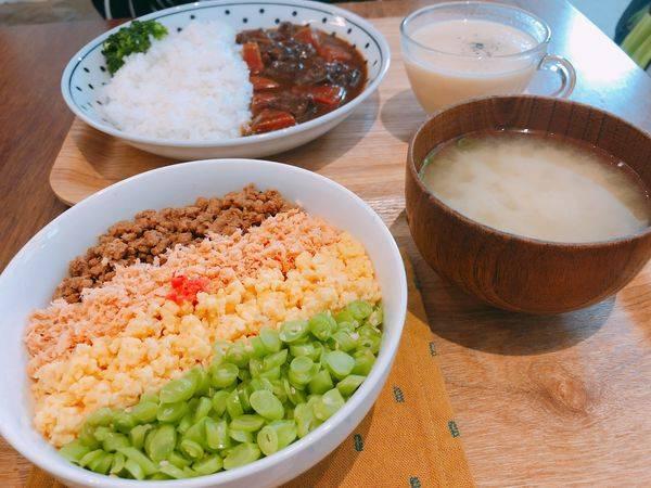Kitchen island 中島✿中島廚房形式的溫馨空間~ 樸實美味的鮭魚四色飯 !