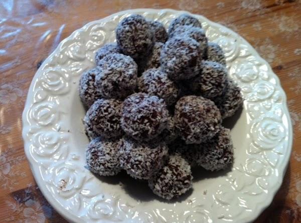Coconut Cocoa Balls Recipe