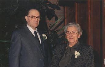 Photo: Wim en Neeltje  bij het huwelijk van kleinkinderen Cora en Hans 1988.