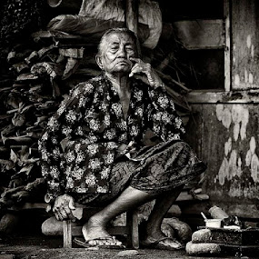 yesterday would never come by Arief Siswandhono - People Portraits of Women