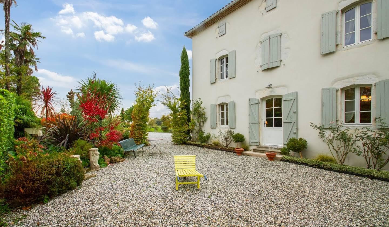 Maison avec piscine et terrasse Saint-Lon-les-Mines