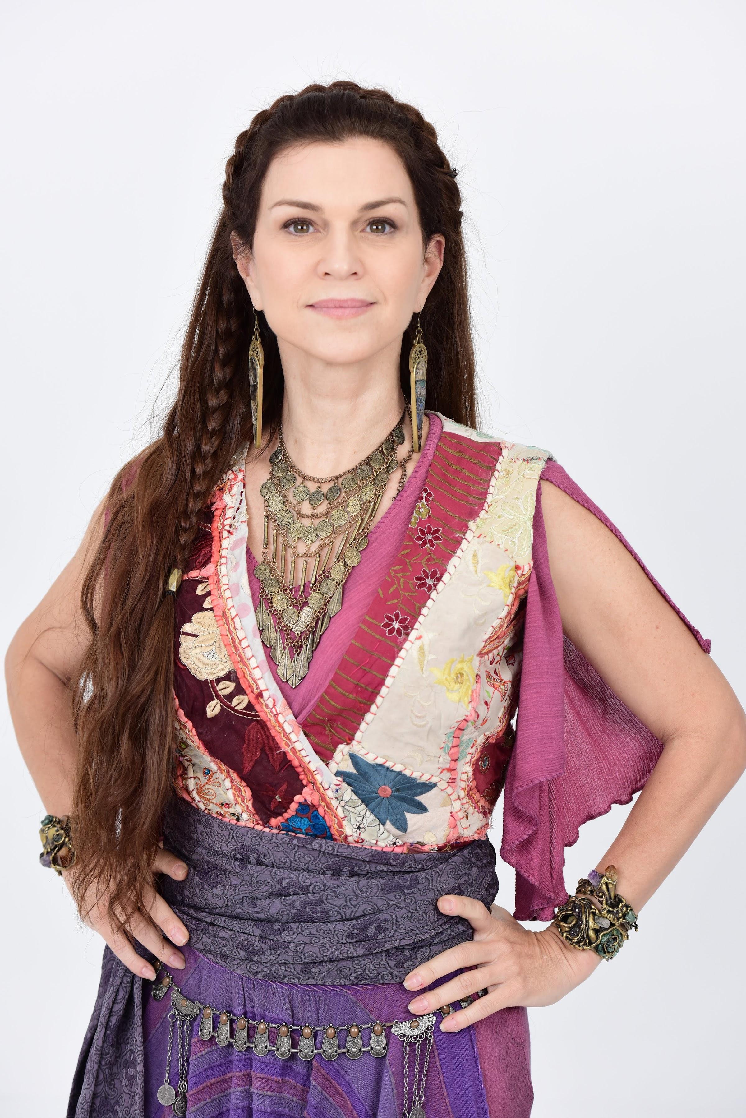 Conheça Adela, personagem de Adriana Garambone em 'Jesus'