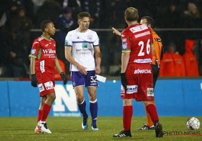 Milde straf voor Dendoncker, maar Vanhaezebrouck heeft grote kopzorgen voor STVV