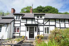 Trefeglwys cottage for sale