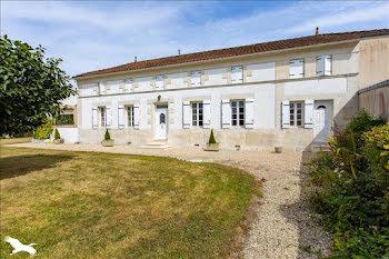maison à Allas-Champagne (17)
