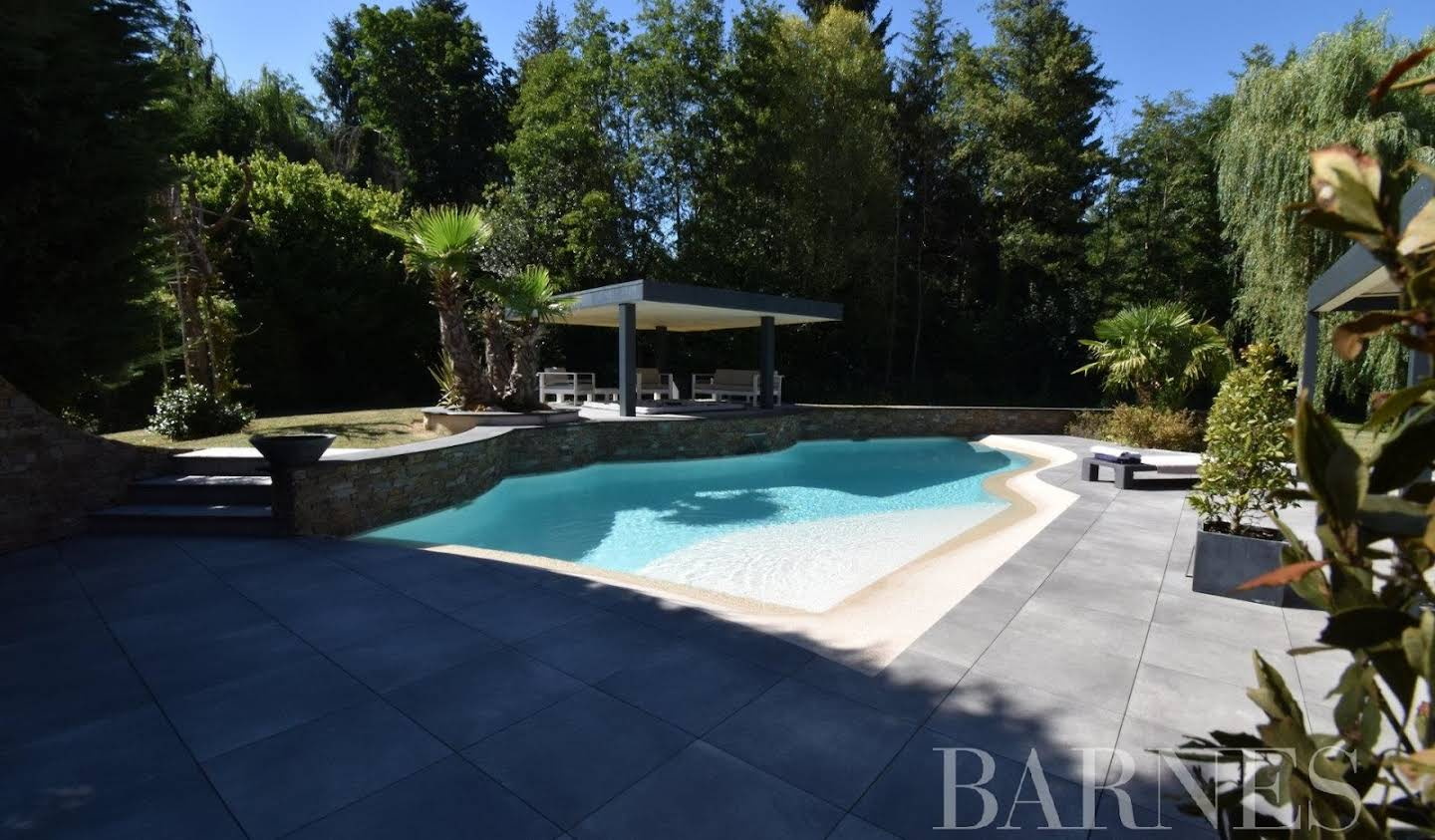 House with pool Chevreuse