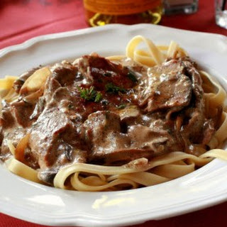 Best Slow Cooker Beef Stroganoff