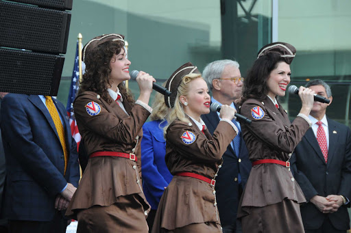 Victory-Belles-2.jpg - Cruise to New Orleans on the Queen of the Mississippi and be entertained with 1940s music and performances from the Victory Belles.