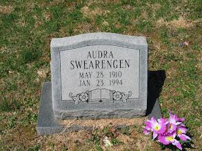 Photo: Swearenger, Audra