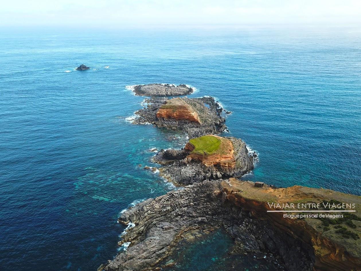 Admirar os Ilhéus da Mina, na ilha Terceira