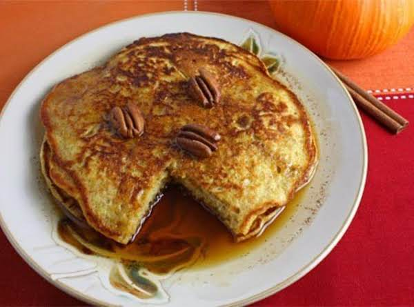 Festive Pumpkin Pie Pancakes