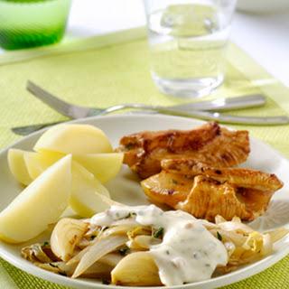 Roergebakken Witlof Met Tijm, Ham-kaassaus En Ananas-vleesrolletjes