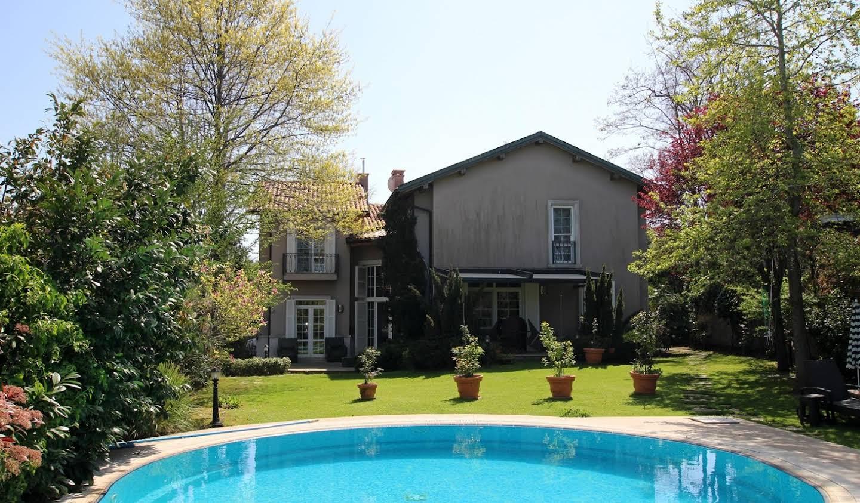 Villa avec piscine Zekeriyaköy