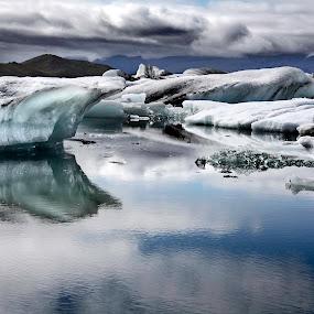 Icebergs by Jesús Sánchez Ibáñez - Landscapes Waterscapes ( glacier, iceland, ice, lake, landscape )