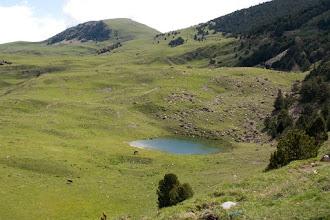 Photo: Vall de Ribes: estany del Tarter sota Puig Estela