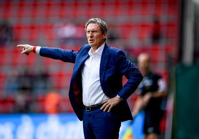 """Francky Dury onder de indruk van zijn ploeg: """"Dit heb ik nog niet veel gezien in het Belgische voetbal"""""""