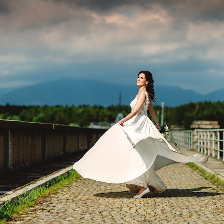 Wedding photographer Max Bukovski (MaxBukovski). Photo of 10.02.2018