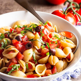 Pasta with Summery Raw Tomato Sauce