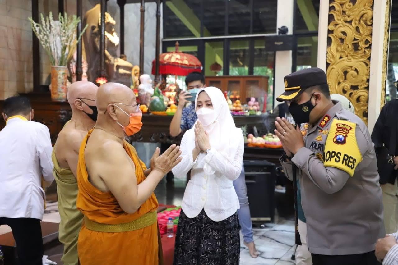 Intip Perayaan Waisak Maha Vihara Mojopahit Saat Masa Pandemi COVID-19