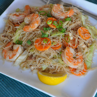 Pancit Bihon Recipe (Filipino Fried Rice Noodles)