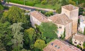 Hotel - Château d'Uzer: maison d'Hôtes, d'amis, de famille