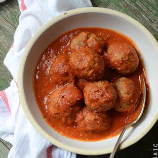 Weeknight Italian-Style Beef Meatballs Simmered in Tomato Sauce {Gluten-Free}