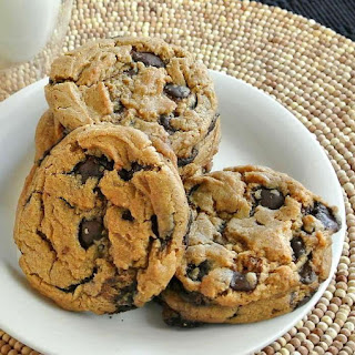 Giant Chocolate Chip Cookies
