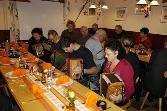 Photo: Jede Zusammenkunft der GF beginnt  nach alter Tradition immer mit Musik