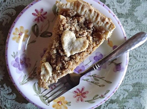 Crumb Topped Pear Pie Recipe