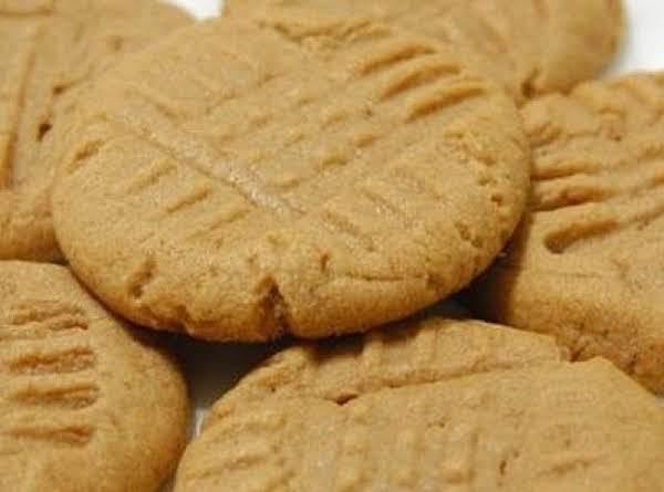 Jhansi's Creamy Peanut Butter Cookies Recipe