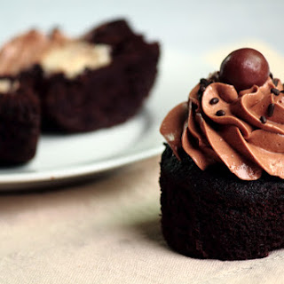 Malted Chocolate Cupcakes with Toasted Marshmallow Filling Recipe