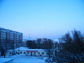 Photo: the last early full moon in 2012, from view of QRRS Dorms where benzrad 朱子卓 preparing his Royal China. hope is start of the blessing dawn.