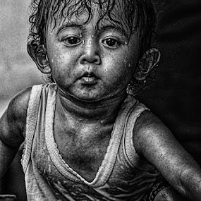 Wet by Kenny Sutan Sati - Digital Art People ( babies, fathir )