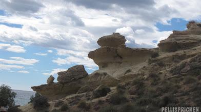 Photo: Den berömda sandstensformationen, finns nere vid havet i Bolnuevo