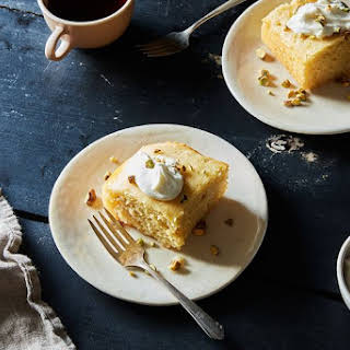 Revani (Chamomile-Soaked Semolina Cake).