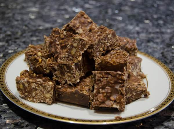 No Bake Chocolate & Oatmeal Cookie Bars Recipe