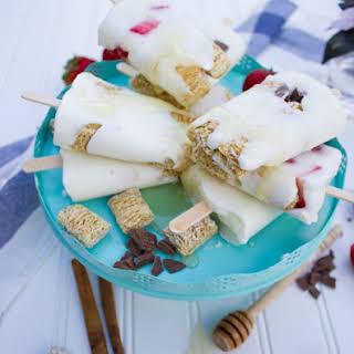 Cinnamon Roll Crunch Vanilla Popsicle.