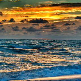 Sunset at the beach by Olivier Grau - Landscapes Sunsets & Sunrises ( clouds, amazing, sky, colors, sunset, beach,  )