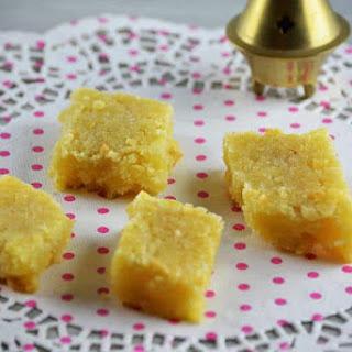 Ahrisset el Luz (Almond Cakes).