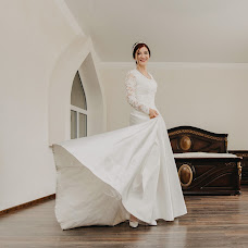 Wedding photographer Elena Strela (arrow). Photo of 17.09.2018