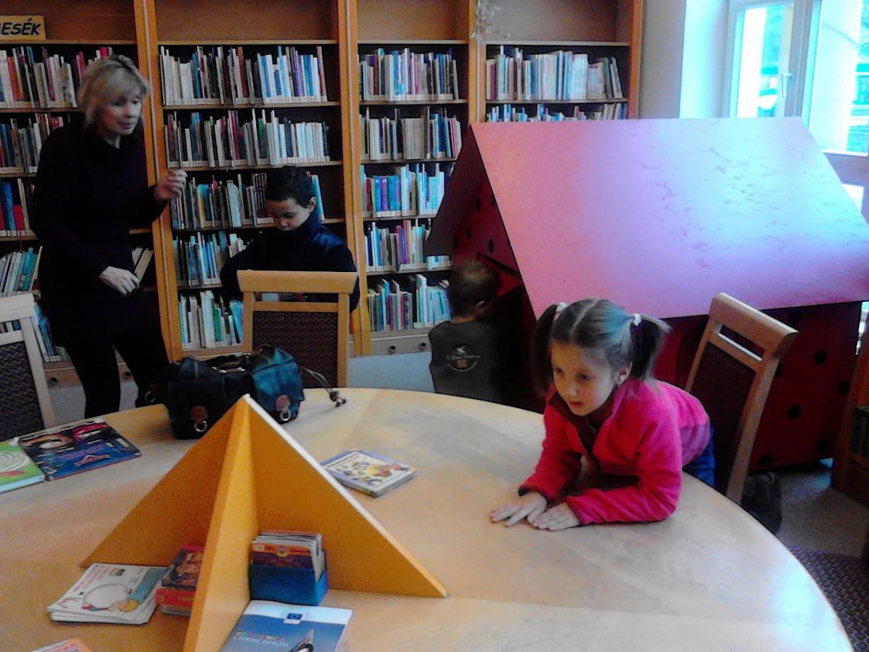 Óvodások a könyvtárban