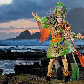 Fashion in Papuma Beach by An'naas Sobrie Al Arif - People Fashion ( fashion, model, woman )