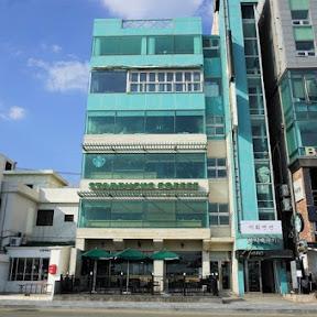 【世界のスタバ】ビーチを望む韓国・釜山の絶景が自慢のスタバ「スターバックス広安里店」