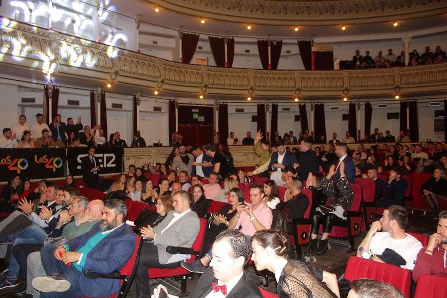 Los asistentes a la gala de los Premios de la Noche Almeriense que acogió el Teatro Cervantes disfrutaron con el acto.